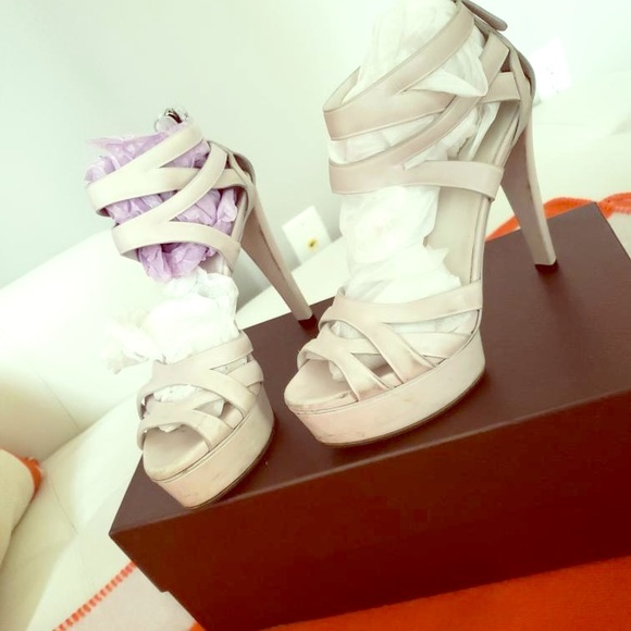 Gucci Shoes - Gucci  high heels off white 37.5 size